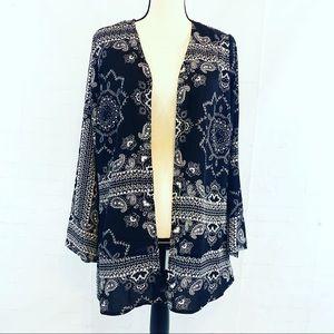 Ava & Grace Black and White Kimono Size Medium